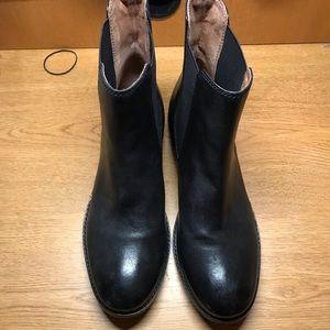 Frye  Black Anna Chelsea Boot